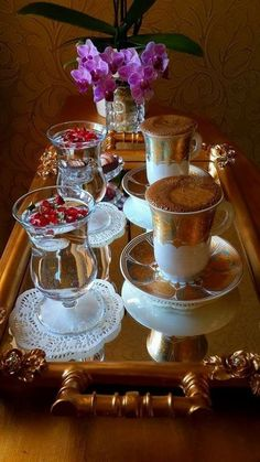 My cup runneth over Coffee Set, Coffee Cafe, Coffee Break, Coffee Drinks, Coin Café, Chocolate Caliente, Good Morning Coffee, Coffee Pictures, Breakfast Tea