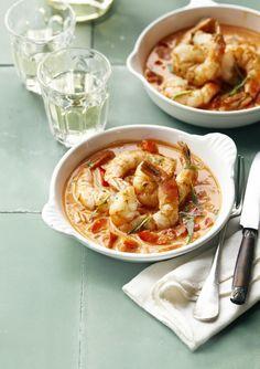Scampi's diabolique (met witte wijn) Dutch Recipes, Spicy Recipes, Italian Recipes, Cooking Recipes, Healthy Recipes, Vegan Junk Food, Fish Dishes, Food Porn, Food And Drink
