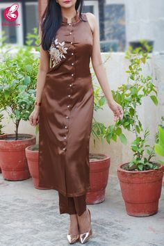 Buy Brown Satin Sleeveless Front Slit Kurti Set by Colorauction - Online shopping for Kurti Sets in India 1950s Fashion Dresses, Indian Fashion Dresses, Indian Designer Outfits, Indian Outfits, Designer Dresses, Hijab Fashion, Silk Kurti Designs, Salwar Designs, Collar Kurti Design