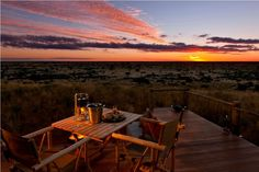 The Tswalu game reserve in the Kalahari Desert in South Africa redefines the safari experience. Johannesburg Airport, Sleeping Under The Stars, Sustainable Tourism, Game Reserve, Luxury Holidays, African Safari, Africa Travel, Lodges, South Africa
