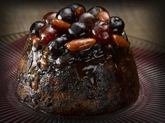 The perfect Christmas dessert: Simply Better Slow Steamed Cherry and Champagne Pudding Christmas Desserts, Fun Desserts, Wine Recipes, Cherry, Xmas, Pudding, Ethnic Recipes, Champagne, Drink