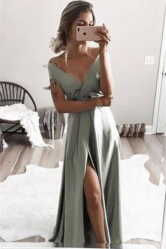 elegant off shoulder formal evening dresses, chic split prom gowns for special o. - elegant off shoulder formal evening dresses, chic split prom gowns for special occasion Source by chrissi_mn - Sexy Formal Dresses, Split Prom Dresses, Elegant Bridesmaid Dresses, V Neck Prom Dresses, Formal Evening Dresses, Elegant Dresses, Prom Gowns, Dresses For Wedding Guests, Formal Gowns