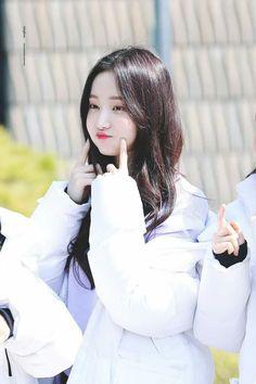  031  Momoland Yeonwoo
