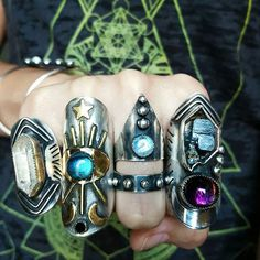 #shieldyourself I have such an obsession with bad ass shield rings! Even though they are so challening to make! Shirt is by @hexappealclothing #shieldring #sacredgeometry #armor #warriorjewelry #jewelryasweaponry #showmeyourrings #shielding #energywork #energymedicine #gypsyjewelry #bohojewelry #amethyst #moonstone #tibetanquartz #labradorite #onyx #rawcrystals #moon #stars #celestial #cosmic #thirdeye #allseeingeye
