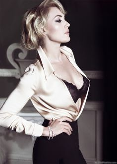 Kate Winslet... I would love to take a pic like this! This exact pose :)