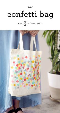 DIY Confetti Tote Bag by /amytangerine/ // Click for video tutorial