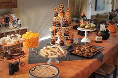 Halloween decorations : IDEAS & INSPIRATIONS   Throw the Best Halloween Party Ever