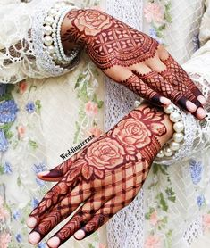 Are you looking for some fascinating design for mehndi? Or need a tutorial to become a perfect mehndi artist? Khafif Mehndi Design, Rose Mehndi Designs, Basic Mehndi Designs, Latest Bridal Mehndi Designs, Henna Art Designs, Mehndi Design Photos, Wedding Mehndi Designs, Latest Arabic Mehndi Designs, Dulhan Mehndi Designs