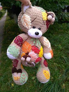 Crochet Bear What a lovely and unique crochet teddy - Crochet Simple, Unique Crochet, Cute Crochet, Crochet For Kids, Crochet Bear Patterns, Amigurumi Patterns, Crochet Animals, Amigurumi Doll, Crochet Teddy