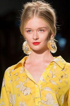 Badgley Mischka at New York Fashion Week Spring 2018 - Details Runway Photos