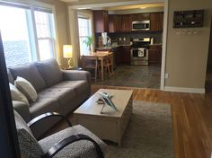 Loft in Cleveland Heights, United States. This open, updated loft is close to public transportation (less than a mile from the Rapid into the city - avoid downtown RNC parking). Located directly across the street from the President Garfield memorial and very close to Little Italy, Coventr... - Get $25 credit with Airbnb if you sign up with this link http://www.airbnb.com/c/groberts22