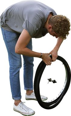 243_k_changing_tyre_1600