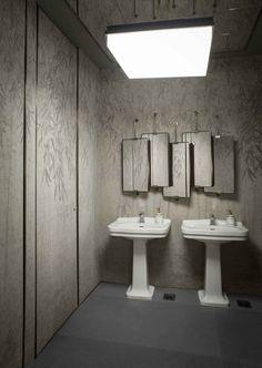 Badrumsinspiration: Toaletten på Ceresio 7 i Milano Luxury Interior Design, Best Interior, Bathroom Interior Design, Interior Styling, Bathroom Designs, Restaurant Pictures, Public Bathrooms, Ideas Para Organizar, Interiors Magazine