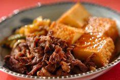 牛こま肉と厚揚げのすき焼き風煮【E・レシピ】料理のプロが作る簡単レシピ - 【E・レシピ】料理のプロが作る簡単レシピ Home Recipes, Asian Recipes, Ethnic Recipes, Japanese House, Mashed Potatoes, Favorite Recipes, Beef, Cooking, Breakfast