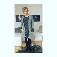 Guten Morgen Ihr Lieben... ich warte gerade auf meine erste Kundin in diesem Jahr 😊 habt es fein heut😘 good morning dear Instas.. waiting for my first client this year😊 have a nice day today 😘... #fifty #over50fashion #fashionover50 #fashionoverfifty #overfifty #ilikegrey #instafashion #instamood  #dailywear #styleoftheday #fashionoftheday #outfitoftheday #ootd #streetstyle #dailyoutfit #whatiweartoday #whatilike #mystyle #over40style #over40fashion #over50model #over50s #over50years…