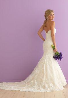 Wedding Dress Train, Fit And Flare Wedding Dress, Perfect Wedding Dress, Wedding Gowns, Dream Wedding, Lace Wedding, 50s Wedding, Modest Wedding, Mermaid Dresses
