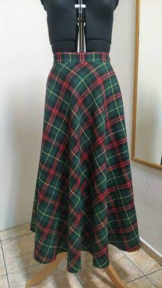 ivettetextil / Ķárovaná sukňa Waist Skirt, High Waisted Skirt, Skirts, Fashion, Moda, High Waist Skirt, Fashion Styles, Skirt