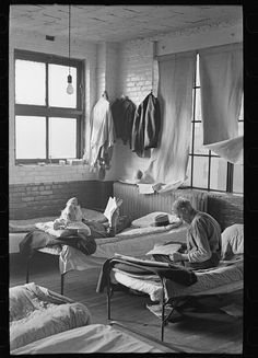 Corner of dormitory, homeless men's bureau, Sioux City, Iowa. Lee, Russell, 1903-1986, photographer
