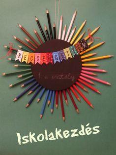 Meríts inspirációt ebből a(z) 18 felkapott ötletből a(z) Oktatás és a(z) Étel és ital kategóriákban – sok más mellett School Wreaths, Teacher Wreaths, Teacher Thank Yous, Teacher Gifts, Pencil Wreath, Diy For Kids, Crafts For Kids, Teaching Displays, Diy And Crafts