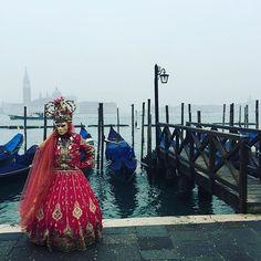 Una maschera a #Venezia