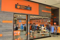 Looking for Tennessee Lady Vols Apparel? Orange Mountain Designs offers the best selection of Lady Vols Apparel online. We are also your Official retail store for the Pat Summitt Apparel and have the Exclusive Pat Summitt Exhibit Lady Vols Basketball, Softball, Maryville Tennessee, Mountain Designs, Sports Women, Mall, Orange, Fastpitch Softball, Fitness Women