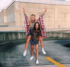 Image about friends in BFF by Gigii. Foto Best Friend, Best Friend Pictures, Bff Pictures, Best Friend Goals, Cute Photos, My Best Friend, Bff Pics, Best Friends Forever, Inka Williams