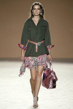 Savannah Princesses, la primera colección de Lola Casademunt en la 080 Barcelona Fashion | TELVA