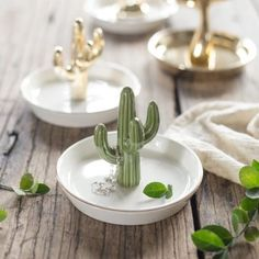 Ceramic Tray Cactus Jewelry Holder Gift Jewel Plate Decor Nordic Decor-H . - Ceramic Tray Cactus Jewelry Holder Gift Jewel-Plate Decor Nordic Decor-H … – Ceramic Bowl-Cactu - Cactus Ceramic, Ceramic Pinch Pots, Ceramic Plates, Ceramic Pottery, Ceramic Decor, Diy Jewelry Unique, Diy Jewelry To Sell, Jewelry Ideas, Clay Crafts