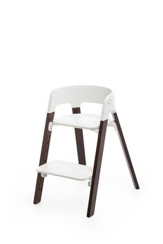 The easy tool-free adjustable footrest allows your child to climb in and out independently –Stokke Steps Chair