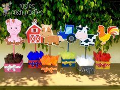 Farm Theme birthday party wood guest table centerpiece decoration Farm Animals…