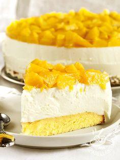 Cheesecake with yogurt and mango - Il Cheesecake allo yogurt e formaggio al mango porta in tavola tutta la freschezza e l'aroma inconfondibile del frutto esotico più amato!