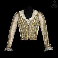 Le costume du prince Drosselmeyer porté par Rudolf Noureev en 1985 à l'Opéra national de Paris Nutcracker Costumes, Ballet Costumes, Boy Costumes, Dance Costumes, Male Ballet Dancers, Boys Ballet, Prince, Nureyev, Ballet Beautiful