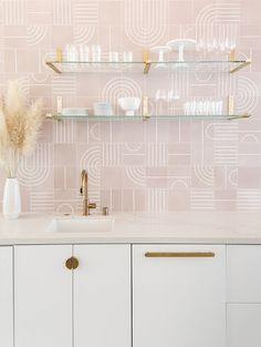 Tile splash back using interesting tile / colours continue scheme. Add storage with doors to hide clutter A STYLISH EVENT SPACE IN LOS ANGELOS, USA Ikea Kitchen Cabinets, Kitchen Doors, Kitchen Tiles, Kitchen And Bath, White Cabinets, Decoracion Vintage Chic, Pink Tiles, Concrete Kitchen, Interior Design Kitchen