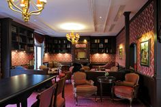 Le Bar du Jardin d'Hiver, Auberge du Jeu de Paume, Chantilly, France http://www.aubergedujeudepaumechantilly.fr/fr