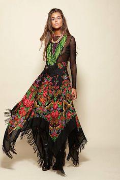 Falda hecha con tela de Justka (hustka) o pañuelo tradicional ucraniano