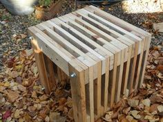 Hocker aus Paletten. Pallet stool. By Altholzdesign Seoane  www.altholzdesignseoane.ch