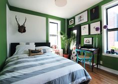 Mark's West Village Home : AT_ Mark West Village House Tour : Apartment Therapy Green Rooms, Bedroom Green, Bedroom Decor, Green Walls, Bedroom Ideas, Bedroom Inspiration, Interior Inspiration, Master Bedroom, Design Inspiration