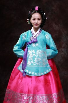 I have always wanted a hanbok in these colors, same style...maybe someday...