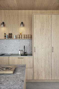 Wood Ek Villa Grå | Ballingslöv Kitchen Living, New Kitchen, Kitchen Interior, Kitchen Decor, Kitchen Ideas, Plywood Furniture, Furniture Design, Cuisines Design, Küchen Design