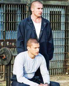 Michael and Linc Michael Scofield, Rockmond Dunbar, Prison Break 3, Sara Tancredi, Lincoln Burrows, Wentworth Miller Prison Break, Sarah Wayne Callies, Dominic Purcell, Big Sean