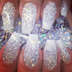 There are three kinds of fake nails which all come from the family of plastics. Acrylic nails are a liquid and powder mix. They are mixed in front of you and then they are brushed onto your nails and shaped. These nails are air dried. Cute Acrylic Nails, Acrylic Nail Designs, Cute Nails, Shellac Nails, Diy Nails, Nail Polish, Sparkle Nails, Glitter Nails, Diy Ongles
