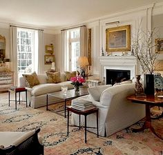 46 Stunning Formal Living Room Decor Best To Look Elegant - Home Design Formal Living Rooms, Home Living Room, Living Room Designs, French Living Rooms, Classic Living Room, Living Area, Gilmore Girls House, Living Room Furniture Arrangement, Furniture Layout