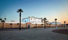 Quasi an die Altstadtmauer von Essaouira angelehnt, liegt das Heure Bleue Palais. Im Kolonialstil gebaut und wunderbar authentisch eingerichtet.