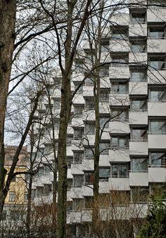 As Oy Carenia, Turku, 1961. Suunnittelija Pekka Pitkänen | Apartment House Carenia, Turku, 1961. Designed by Pekka Pitkänen.