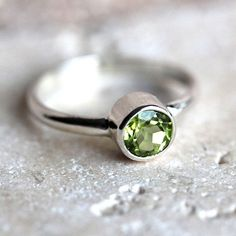 Lime Green Peridot Ring, Faceted Chartreuse Spring Green Gemstone Sterling Silver Ring August Birthstone Peridot Jewelry - Made to Order Jewelry Rings, Silver Jewelry, Vintage Jewelry, Jewellery, Peridot Jewelry, Green Peridot, Green Gemstones, My Birthstone, Fashion Rings