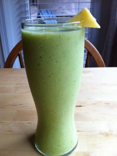 Pineapple Kale Coconut Smoothie (good for colds)