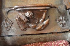 The Iconography of 'Husband-beating' on Late-Medieval English Misericords :http://www.medievalists.net/2015/09/17/the-iconography-of-husband-beating-on-late-medieval-english-misericords/