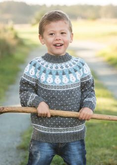boys kids icelandic sweater, photo from viking garn, lopi knitting pattern, fuzzy fluffy childs childrens lopapeysa nordic Knitting For Kids, Baby Knitting, Crochet Baby, Knit Crochet, Norwegian Knitting, Icelandic Sweaters, Little Cotton Rabbits, Fair Isle Pattern, Boys Sweaters