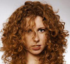 18 astuzie per i capelli ricci che ti cambieranno la vita 42eb6bd25f53