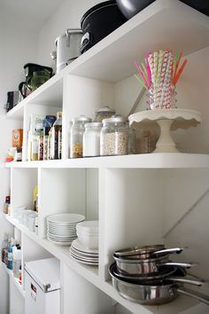 Worry-Free Decluttering: 8 Things to Get Rid of that You'll Never Even Know Are Gone — Apartment Therapy Kitchen Organization, Organization Hacks, Pantry Organisation, Organized Pantry, Apartment Living, Apartment Therapy, Apartment Ideas, Home Hacks, Getting Organized